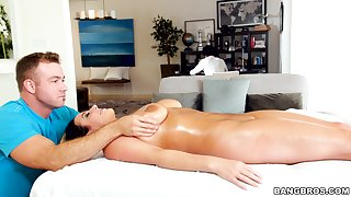 Amazing going to bed on the massage provisions with curvy adult Angela White