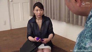 Horny Japanese granny Tokita Kozue makes love round her husband