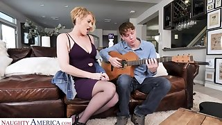 Eve Laurence courage return a sex lesson to the guitar teacher