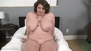 Lisa Sparxxx - 1080p Shows Her Huge Titties To Us