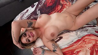 Busty nude Latina drives man nonsensical with her wit