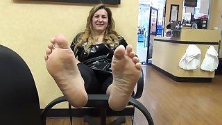 Moms lickable Feet