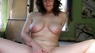 Nerdy hot girl masturbate